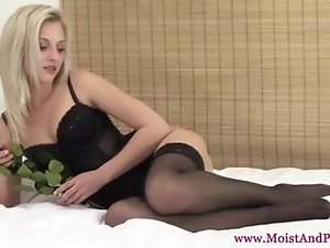 Masturbating babe uses dildo